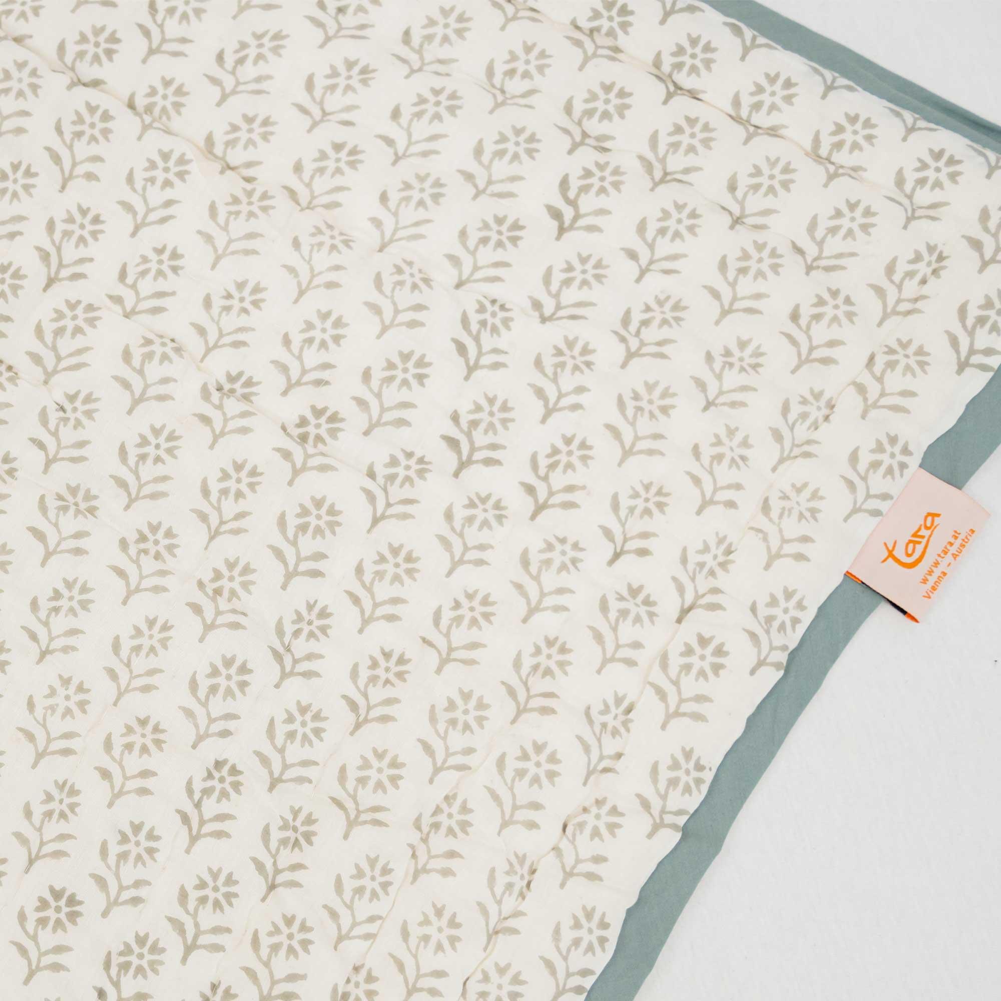 Tara-Textile - indische Decke - Kuscheldecke Mala
